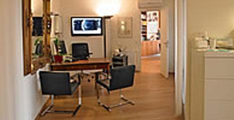 bildergalerie-behandlungsraum--orthopaedie-dr-a-ruemelin-frankfurt-am-main